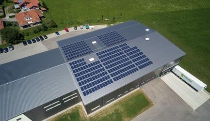 Bau der Photovoltaik-Anlage