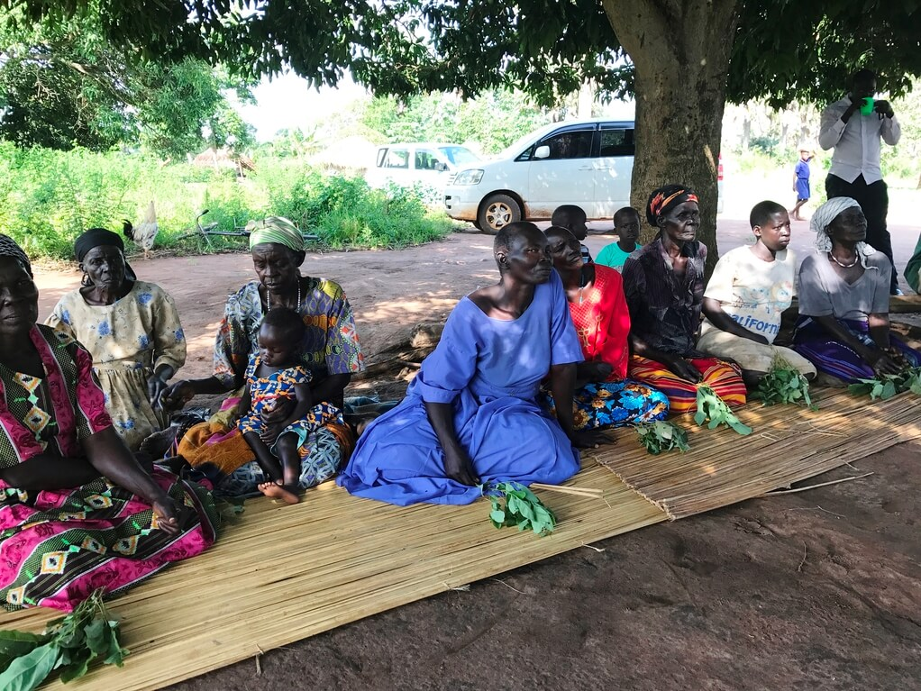 Zusammenkunft Uganda Bild Naturkost UEbelhoer.JPGZusammenkunft Uganda Bild Naturkost UEbelhoer